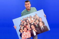 Javier Quero muestra algunos personajes de Los Teletipos
